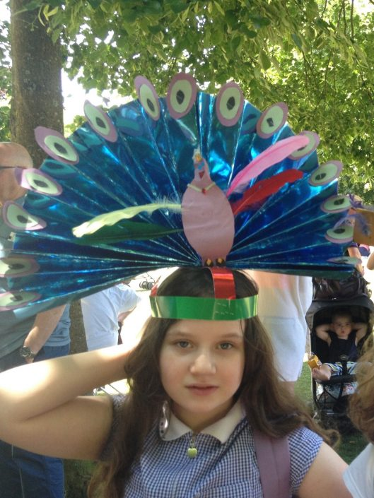 CARNIVAL-HEADDRESS-MAKING-WITH-CREATING-ARTS-in-OXFORDSHIRE-for-Winchester-Hat-Fair