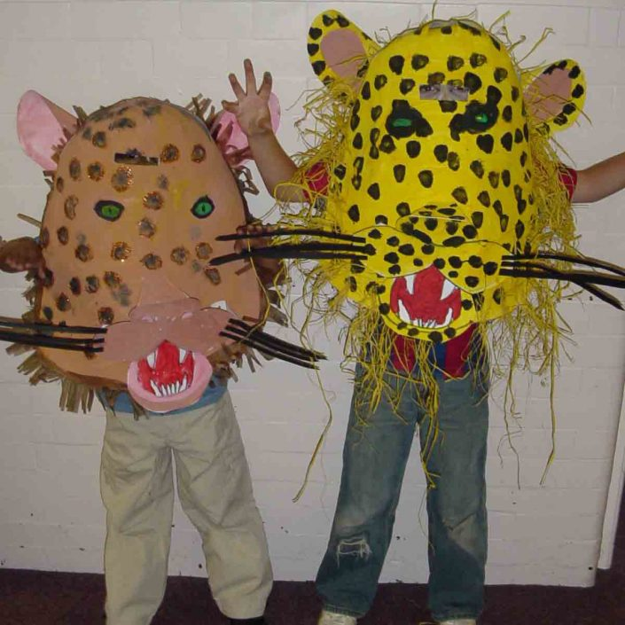 WORKSHOP-CREATING-ARTS-in-OXFORDSHIRE-Kids-Adult-Childrens-Youth-Mask-workshop