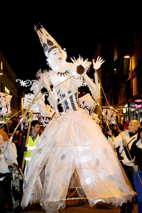 WORKSHOP-CREATING-ARTS-in-OXFORDSHIRE-Kids-Adult-Childrens-Youth-lantern-puppet-parade-festival, carnival,workshop