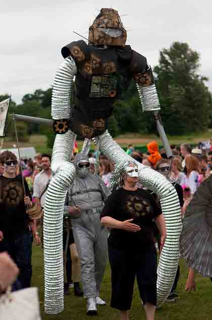 WORKSHOP-CREATING-ARTS-in-OXFORDSHIRE-BERKSHIRE-Kids-Adult-Childrens-Youth-sculpture-workshop Creating Art, Oxfordshire, Workshops, festival, carnival, kids, adults, puppet-school- workshop