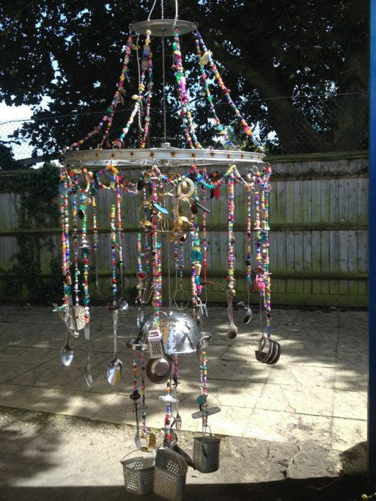 WORKSHOP-CREATING-ARTS-in-OXFORDSHIRE-BERKSHIRE-Kids-Adult-Childrens-Youth-sculpture-workshop Creating Art, Oxfordshire, -school-Workshops, festival, carnival, kids, adults, recycled-art