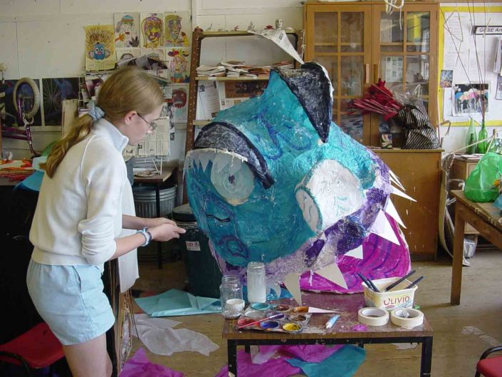 WORKSHOP-CREATING-ARTS-in-OXFORDSHIRE-BERKSHIRE-Kids-Adult-Childrens-Youth-sculpture-workshop