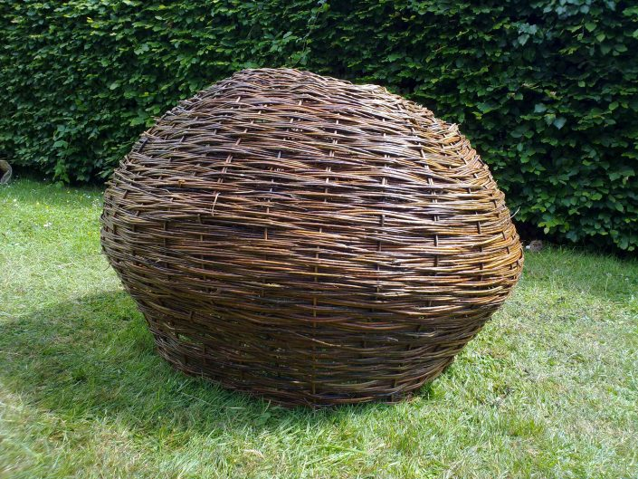 WORKSHOP-CREATING-ARTS-in-OXFORDSHIRE-BERKSHIRE--Kids-Adult-Childrens-Youth-willow-sculpture--school-workshop0