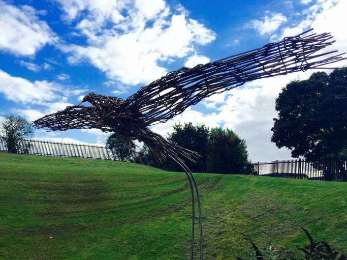 WORKSHOP-CREATING-ARTS-in-OXFORDSHIRE-BERKSHIRE--Kids-Adult-Childrens-Youth-willow-sculpture-workshop installation commission