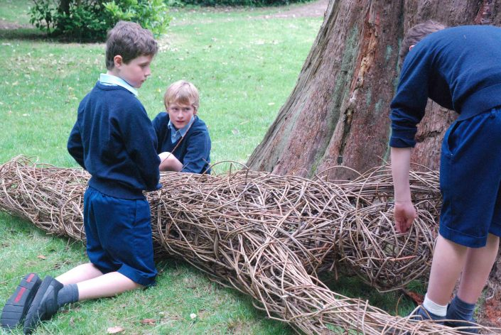 WORKSHOP-CREATING-ARTS-in-OXFORDSHIRE-BERKSHIRE--Kids-Adult-Childrens-Youth-willow-workshop